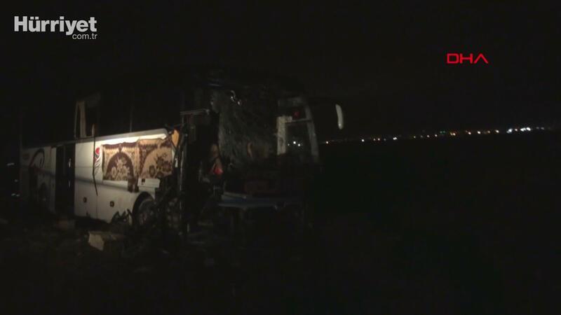 Aksaray'da yolcu otobüsü  TIR'a çarptı