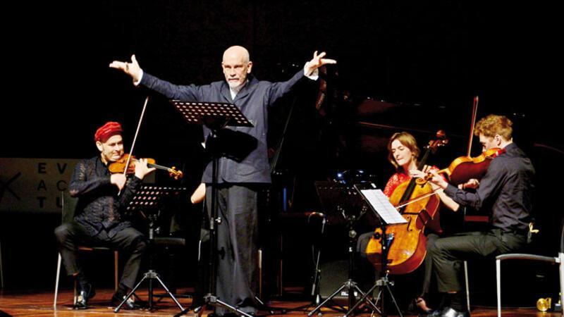 Hollywood yıldızı Malkovich, İstanbul'da sahne aldı