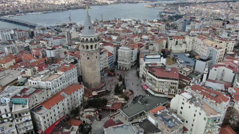 İstanbul'da 'Corona Virüs' etkisi... Meydanlar boş kaldı