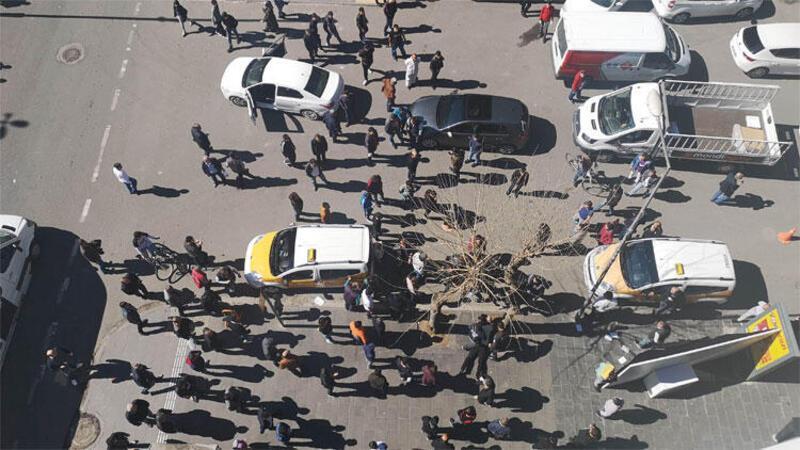 Sürücülerin kavgasında ortalık savaş alanına döndü
