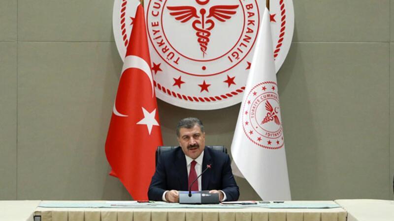 Sağlık Bakanı Fahrettin Koca, gazetecilere açıklamalarda bulundu
