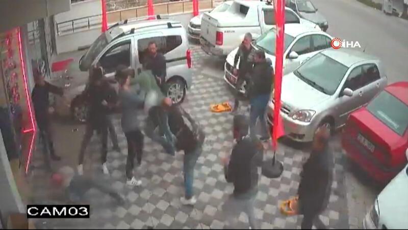 Ankara'da 12 kişi bir iş yerini basıp dükkan sahibini ve babasını darp etti