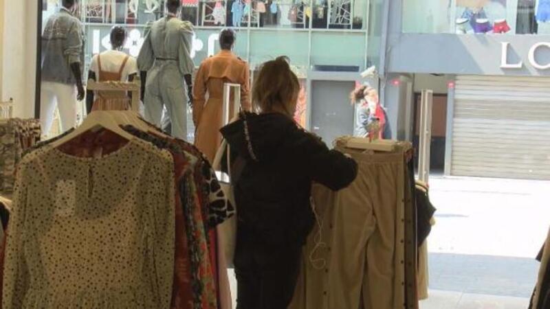 İstanbul'da bir çok mağaza açık; Corona Virüs tehlikesine dikkat