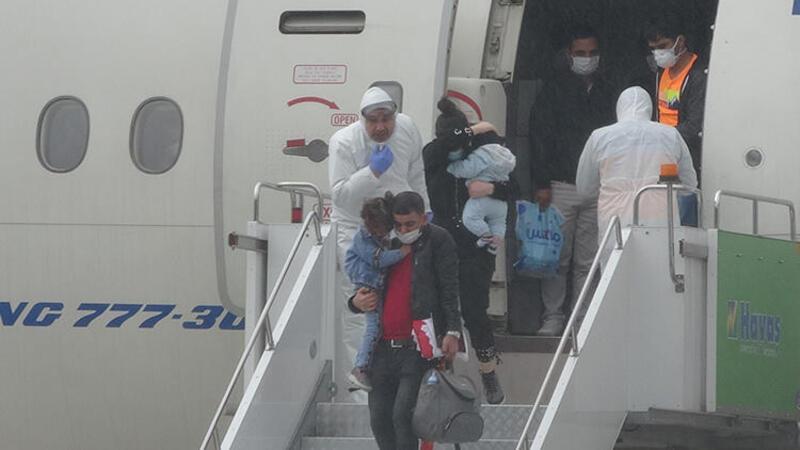 Corona Virüsü nedeniyle Kuveyt'te çalışan 343 Türk işçi Türkiye'ye getirildi