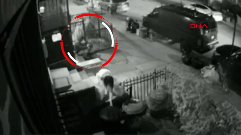 ABD'de Asyalı kadına asitli saldırı kamerada