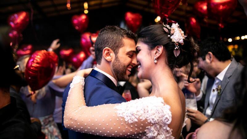 Düğünlerde çalınan en iyi 10 şarkı sizce hangisi?