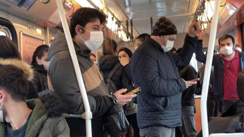 İstanbul'da toplu ulaşımda tedirgin eden görüntüler!