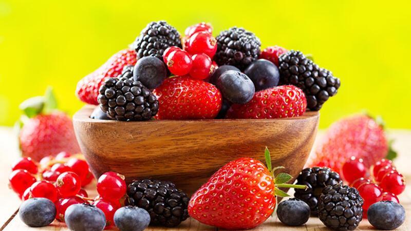 Yaz aylarının nefis meyveleri arasında en iyi 10'u seçiyoruz