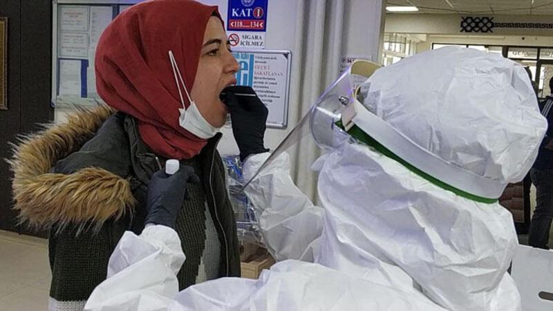 Burdur'da karantina yurdunda panik! Tüm çalışanlara test yapıldı...