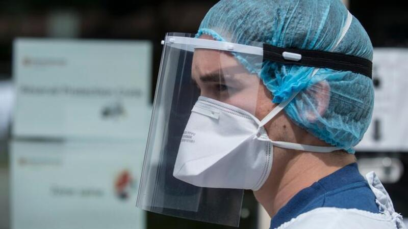 Fransa'da corona virüs ölümleri durmuyor