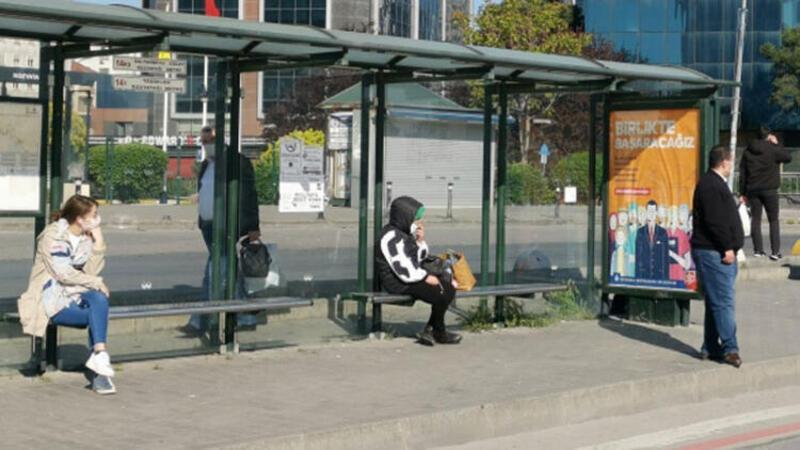İşe gitmek için dakikalarca otobüs beklediler