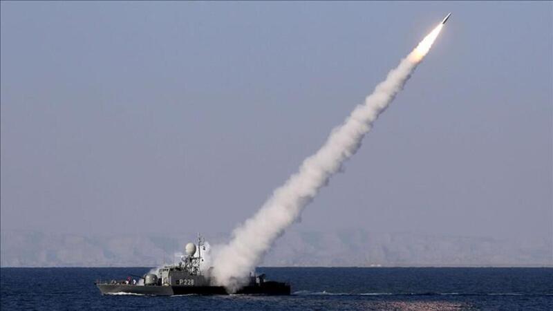 İran Ordusu tatbikatta yanlışlıkla kendi gemisini vurdu