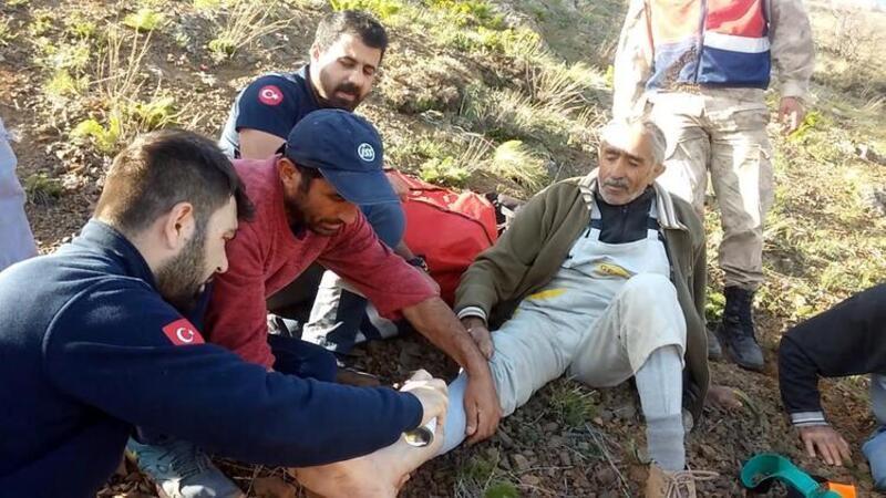 Mantar toplamaya giden kişi, sakatlanınca mahsur kaldı