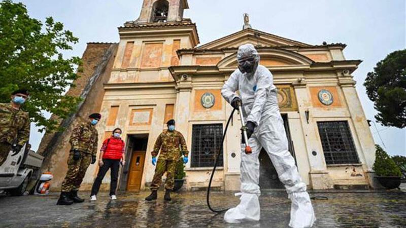 İtalya'da Kovid-19'dan ölenlerin sayısı 31 bini geçti