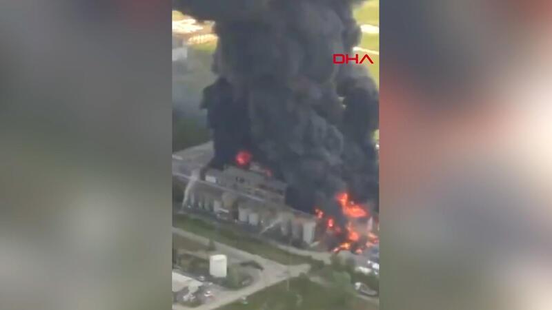 İtalya'nın Venedik kentinde kimyasal fabrikada patlama