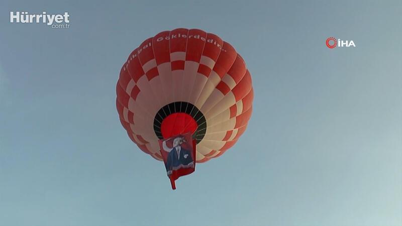 Türkiye'nin ilk yerli balonu Atatürk ve Türk Bayrağı ile Kapadokya semalarına havalandı