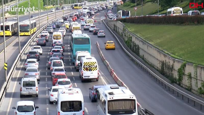 Yasak sonrası İstanbul'da trafik yoğunluğu