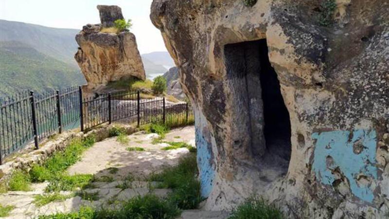 Asırlık mağaralar turizme kazandırılacak