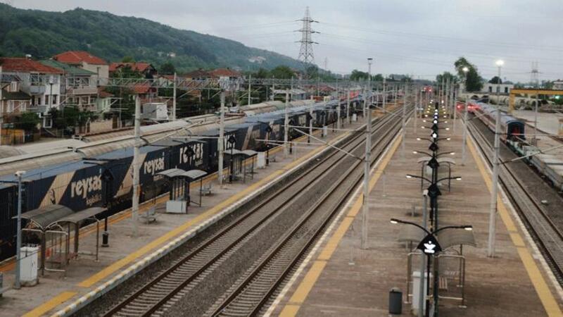 Marmaray geçişli ilk ihracat blok treni Sakarya'dan yola çıktı