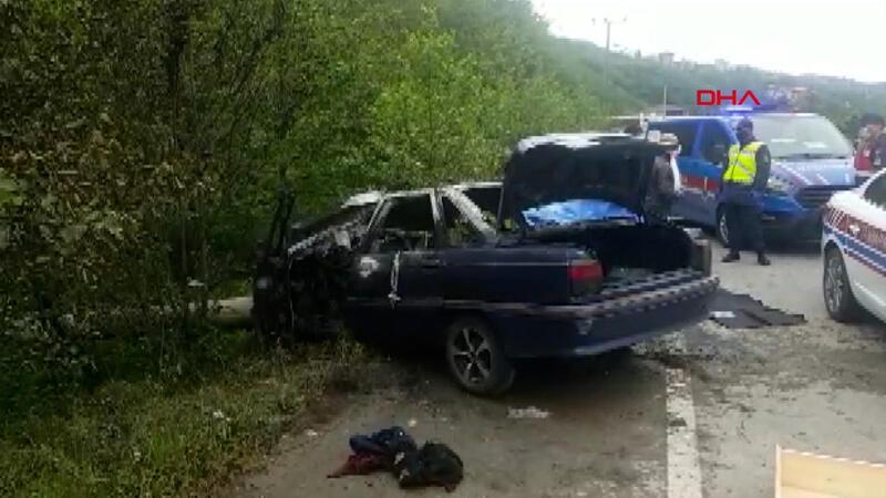 Trabzon'da direğe çarpan otomobil alev aldı: 3 çay işçisi öldü, 1 işçi yaralı
