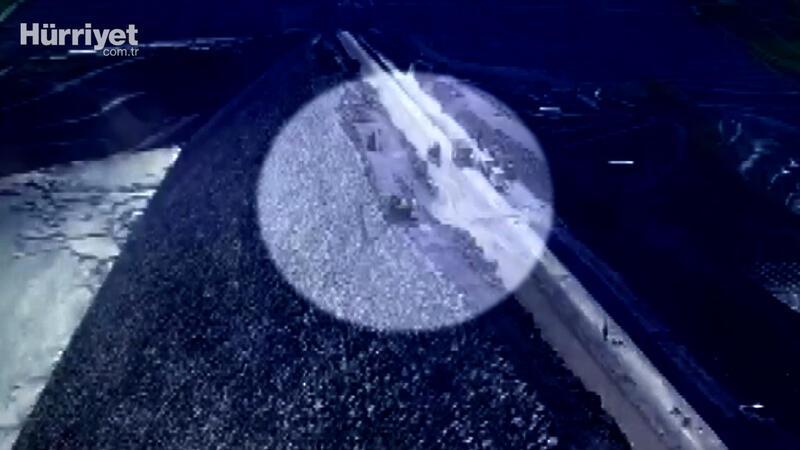 Muş'ta iş makinesiyle baraj göletine düşen operatörün cesedine ulaşıldı