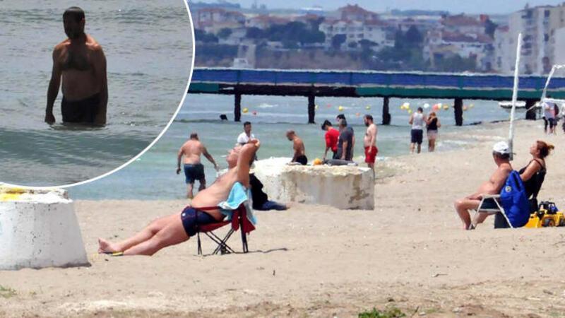 Kumburgaz'da vatandaşlar yasağa rağmen denize girdi