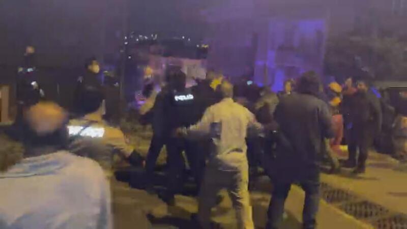 Başakşehir'de nişanı atan çiftin aileleri sopalı bıçaklı kavga etti