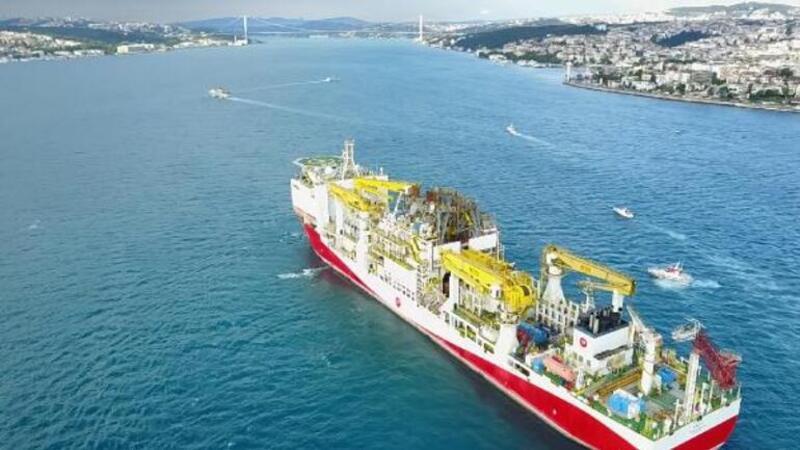 Fatih sondaj gemisi Marmara'dan İstanbul Boğazı'na girdi