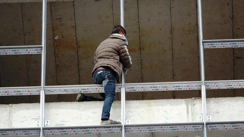 Görüntüler Bursa'dan... 500 lirayla intihardan vazgeçti, 3 bin 150 liralık ceza yedi