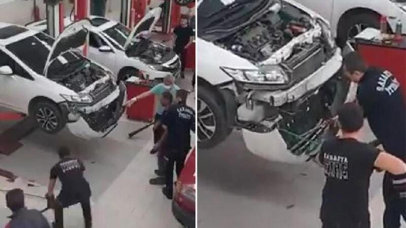 Serviste aracın tamponu sökülerek yılan çıkarıldı