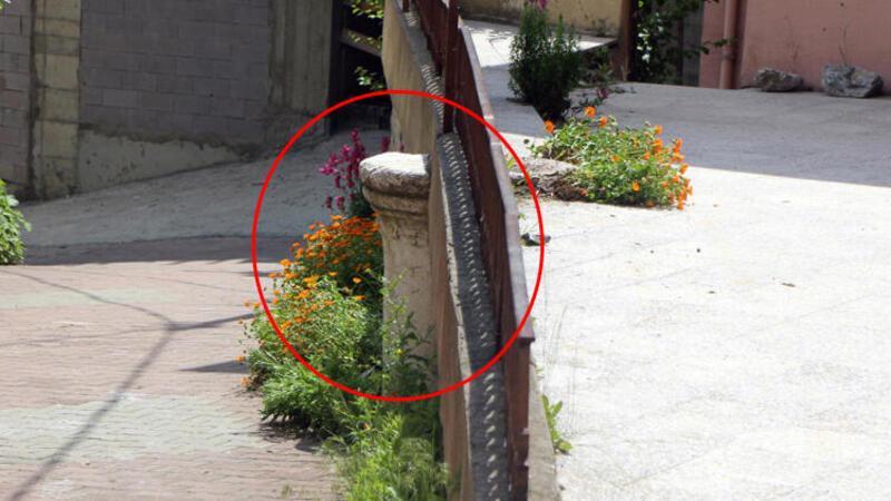 Tepki çeken görüntü! Tarihi sütun önce musalla taşı, sonra avlu duvarı oldu