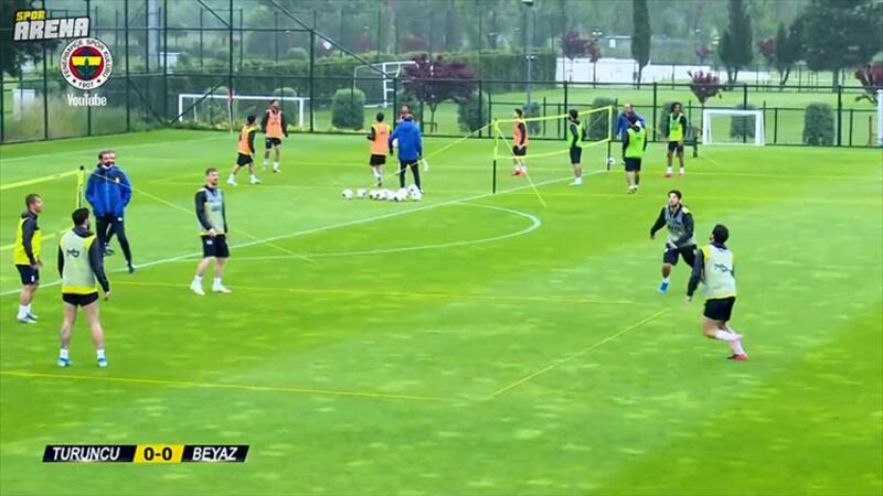 Fenerbahçe'de ayak tenisinde kıyasıya mücadele