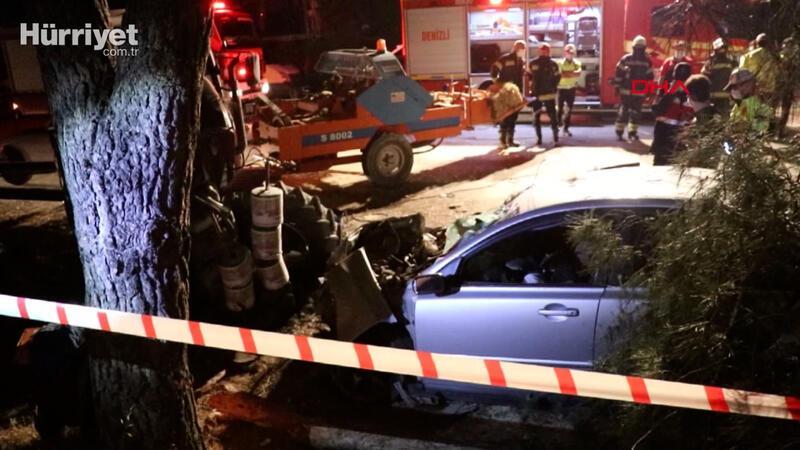 Otomobil traktöre çarptı 2 kişi öldü