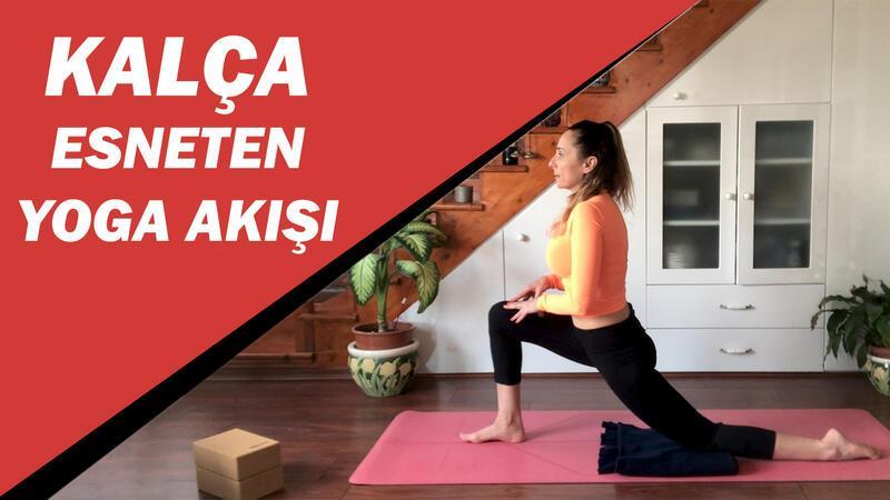 Evde kalça esneten yoga akışı