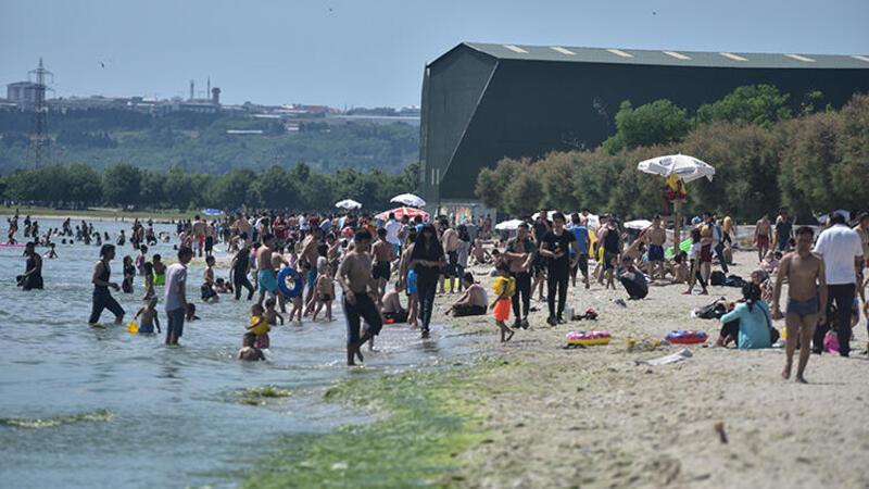 Menekşe Plajı'nda tedirgin eden kalabalık
