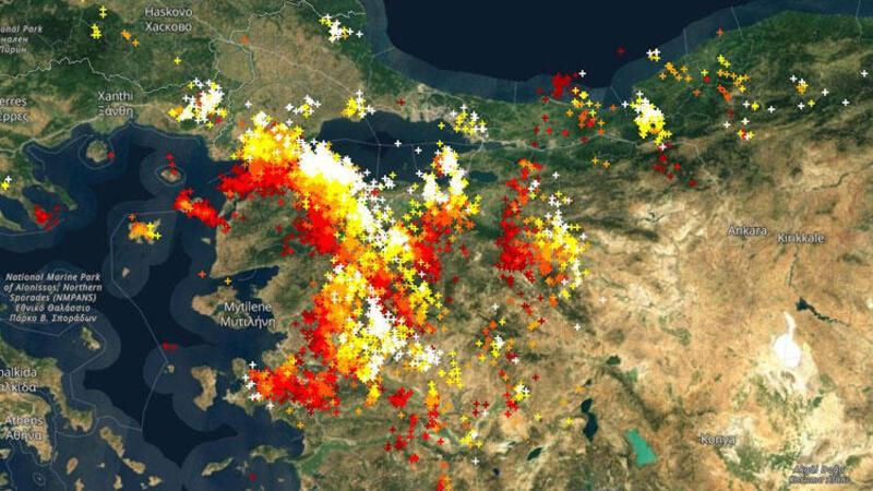 Son dakika… İstanbul'da sağanak ve dolu yağışı etkili oluyor