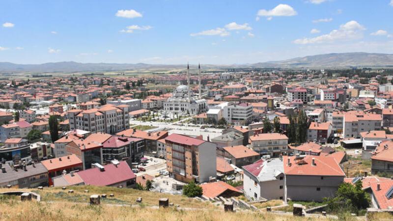 Sivas Şarkışla'da koronavirüs vakaları nedeniyle tedbirler artırıldı