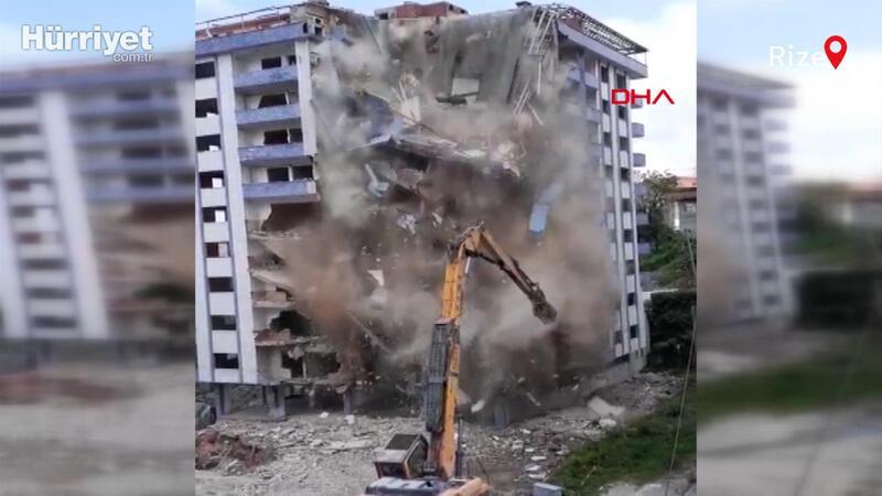 Rize'de yıkımı yapılan bina aniden çöktü; o anlar kamerada