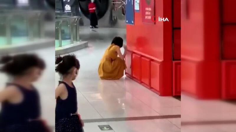 Çin'de koronavirüs testi pozitif çıkan kadın sinir krizi geçirdi