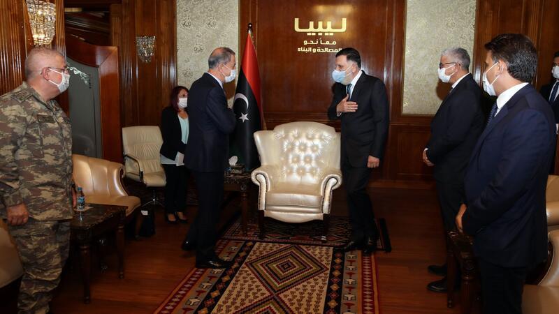 Bakan Akar ve Orgeneral Güler, Libya Başbakanı Serrac ile bir araya geldi