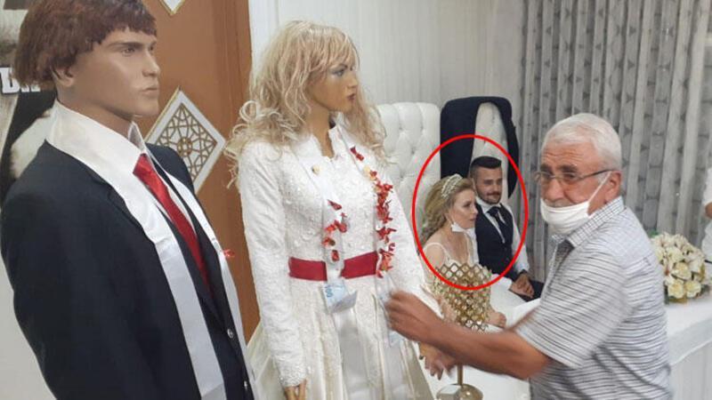 Düğünde takılar, gelin-damat yerine cansız mankenlere takıldı