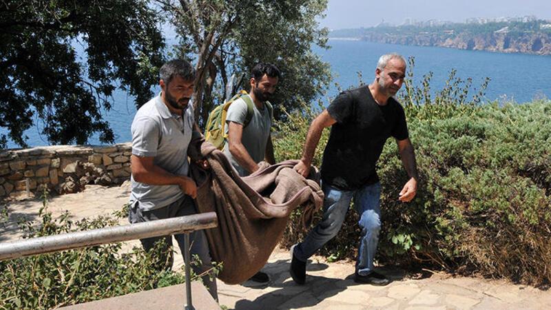 Antalya'da falezlerde Roma dönemine ait heykelcik bulundu