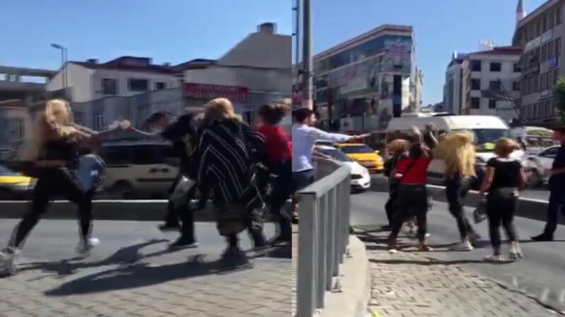 Meydanın ortasında tekme tokat kavga