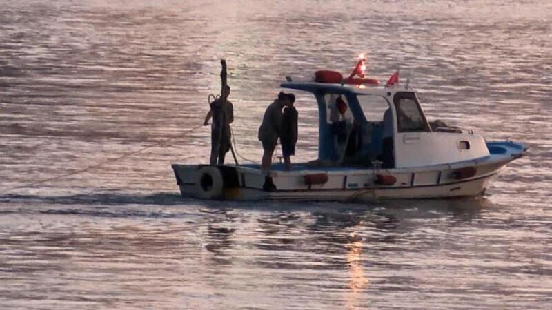 İstanbul Boğazı'nda kaçak midye avcıları kamerada