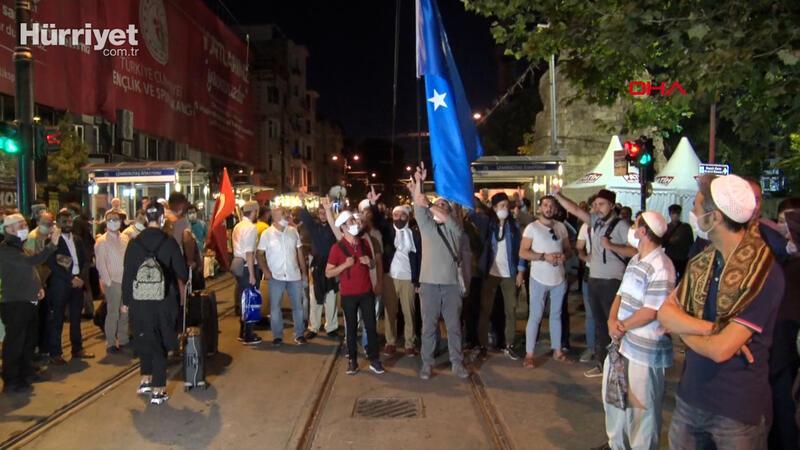 Ayasofya'da 'Cuma Namazı' için sabaha kadar beklediler