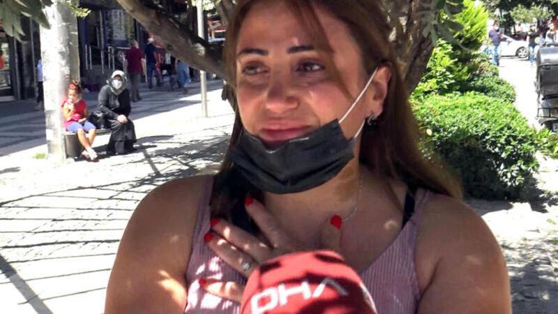 Kadın cinayetleri protestosunu izleyen kadının duygu dolu anları