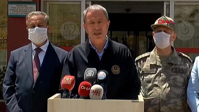 Son dakika haberi... Mersin'de 4 askerin şehit olduğu kazayla ilgili Bakan Akar'dan açıklama