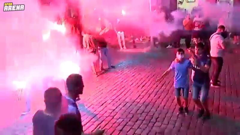 Trabzonspor'un kupa zaferi, kentte büyük coşkuyla kutlandı