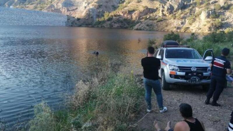 Gölete giren kızını kurtarmak isteyen anne boğuldu