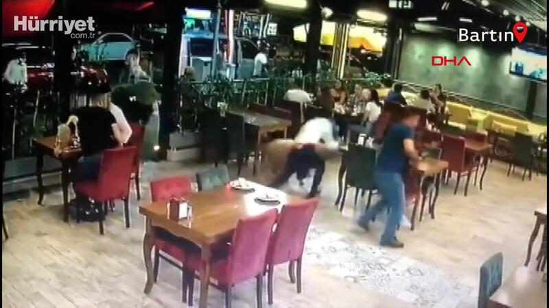 Restorana giren kurbanlık koç paniğe neden oldu